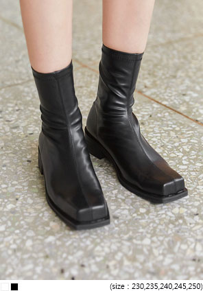 [SHOES] VENKA SQUARE ANKLE BOOTS